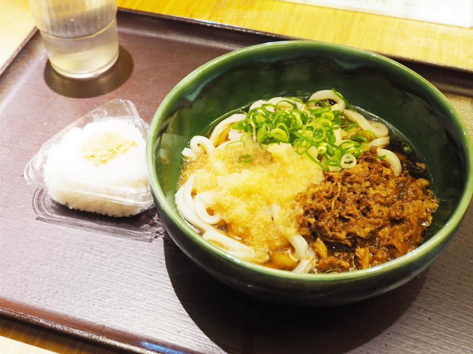 肉おろしうどん?、おにぎり・鮭@うどん・しのぶ庵・梅田店