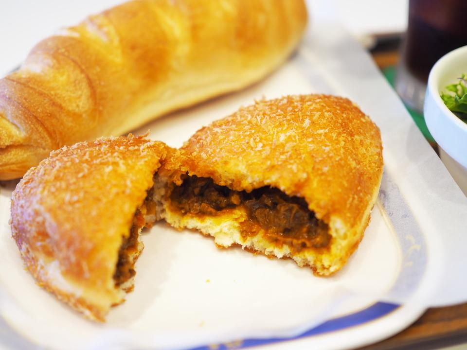 特選牛肉カレーパンセット(特選牛肉カレーパン、アイスティー)、あんホイップ@アルヘイム・鴻池店