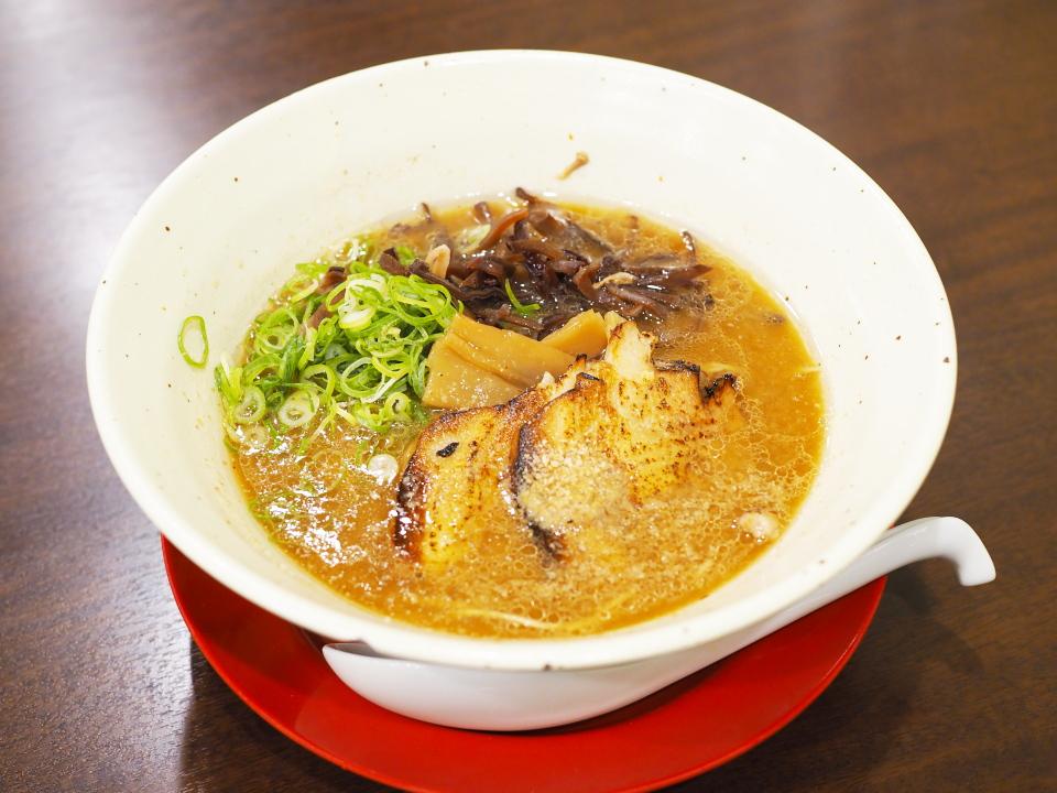 濃厚とんこつ炙りチャーシュー麺@豚骨ラーメン・つけ麺・極味