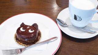 シャ・ノワール・カフェのシャ・ノワール、ホットミルク