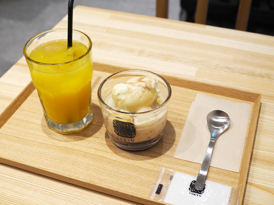 安納焼芋と黒糖ミルクのチェ、オレンジジュース@スープ・ストック・トウキョウ・ホワイティうめだ店