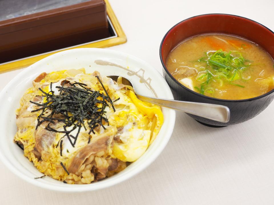 牛とじ丼・豚汁セット@松屋