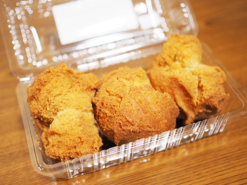 札幌アゾル・白樺ドーナツの塩ドーナツは独自配合の小麦粉とショートニング油を使用