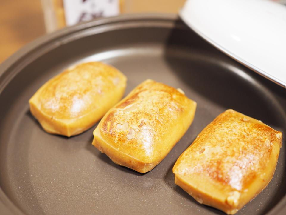 味噌餅の調理はオーブントースターかホットプレートかフライパンで弱火で焼く