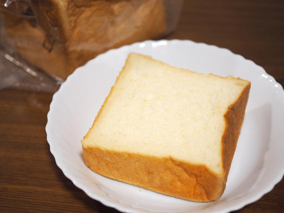 高級生クリームを使用の食パン工房・春日をそのままで