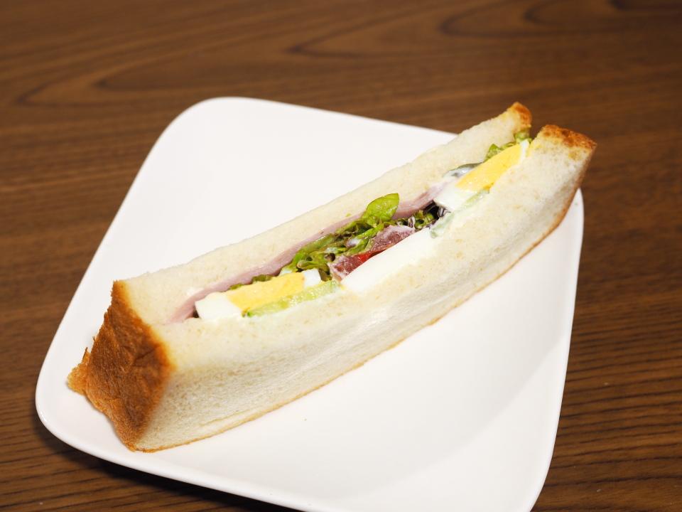 ぷてぃぼぬーるのハムのサンドイッチ