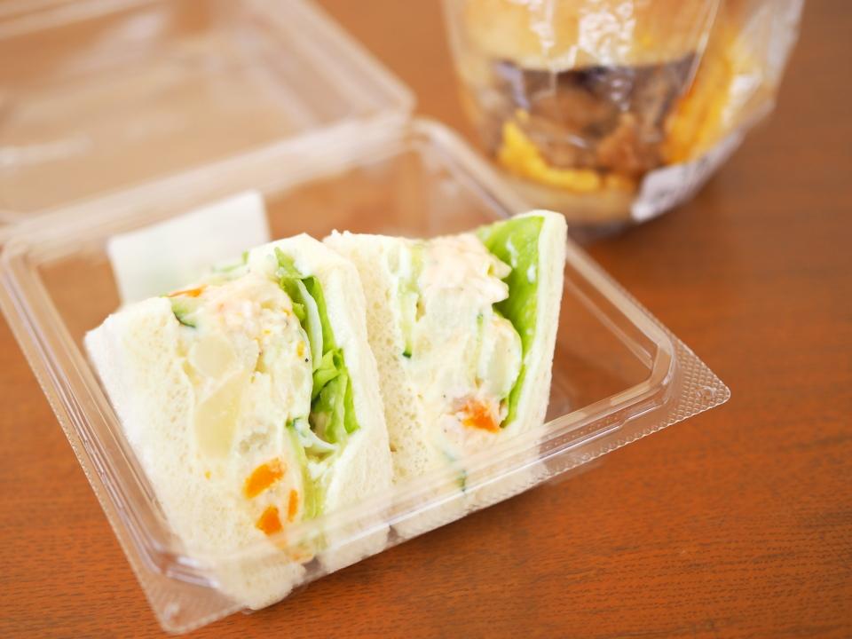 小阪のパン屋・フランクス(Frank's)のサンドイッチ(ポテトサラダ)