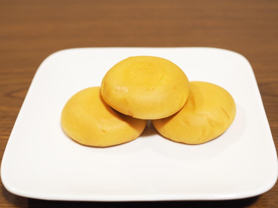 バターとミルクたっぷりお饅頭のみるく饅頭・月化粧