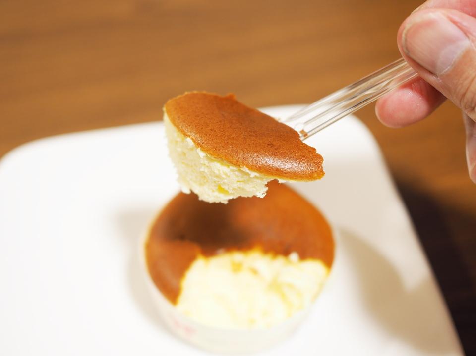 パティスリーラファンのプチフロマージュはチーズの香り