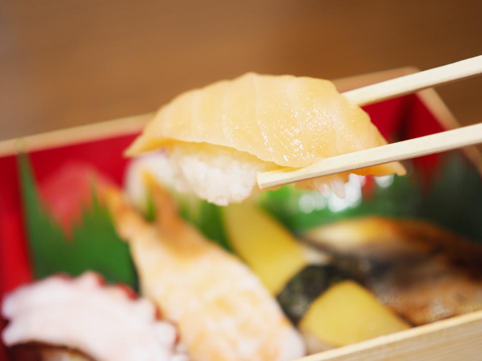 元禄寿司のトロサーモン
