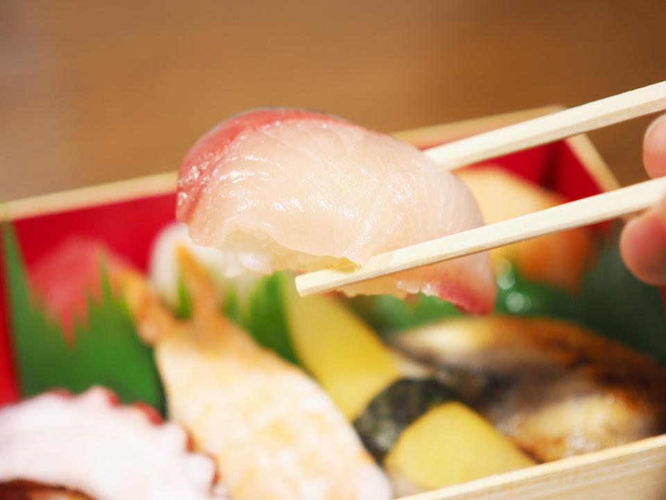 元禄寿司のはまち