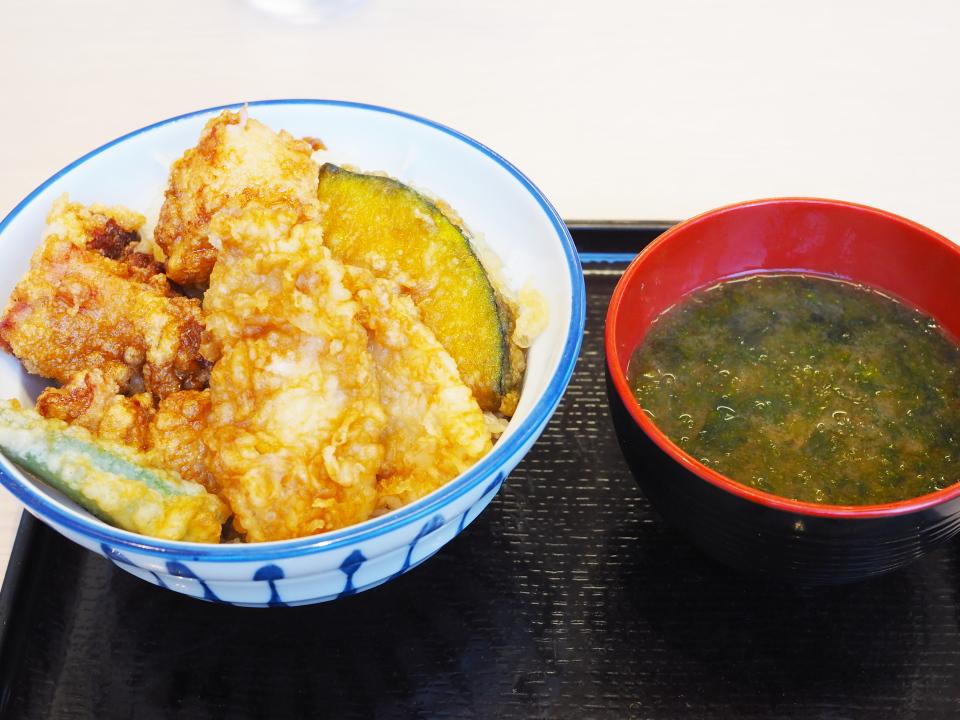 天丼・天ぷら本舗・さん天の鶏唐×鶏天丼+みそ汁付