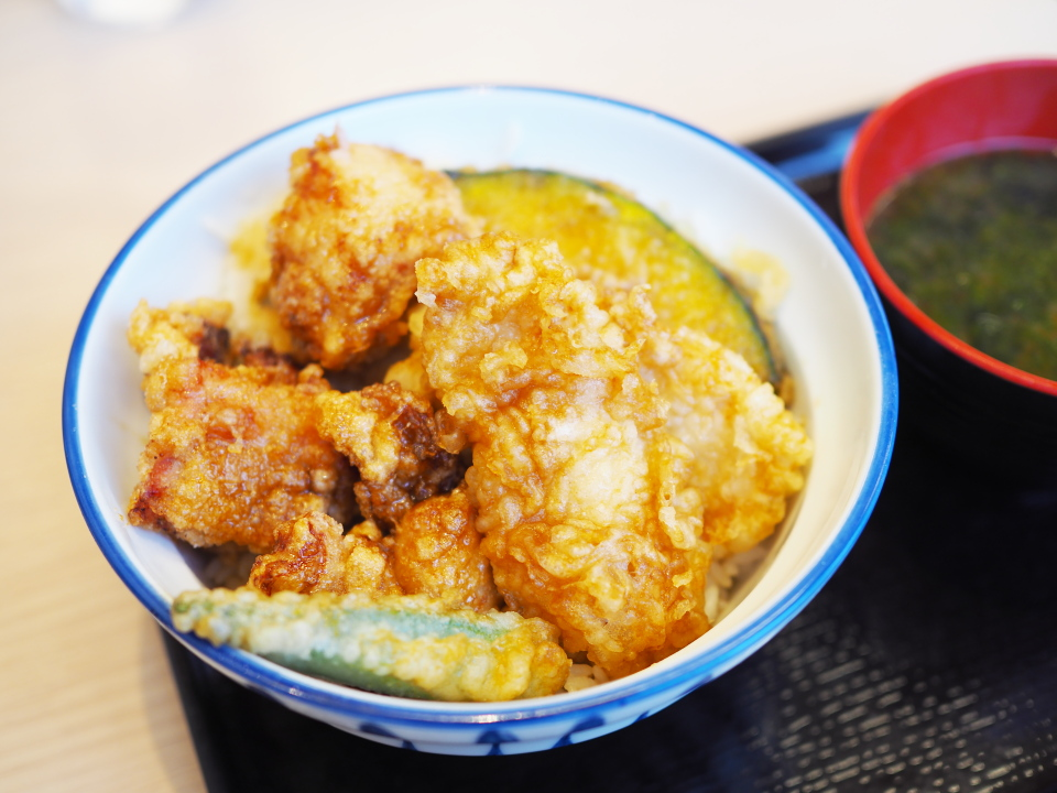 天丼・天ぷら本舗・さん天の鶏唐×鶏天丼