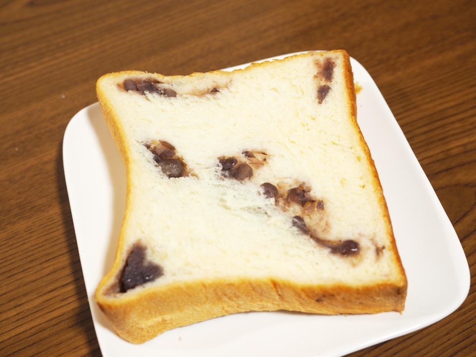 高井田のパン屋・小麦の郷のあんこが自慢のあん食パン