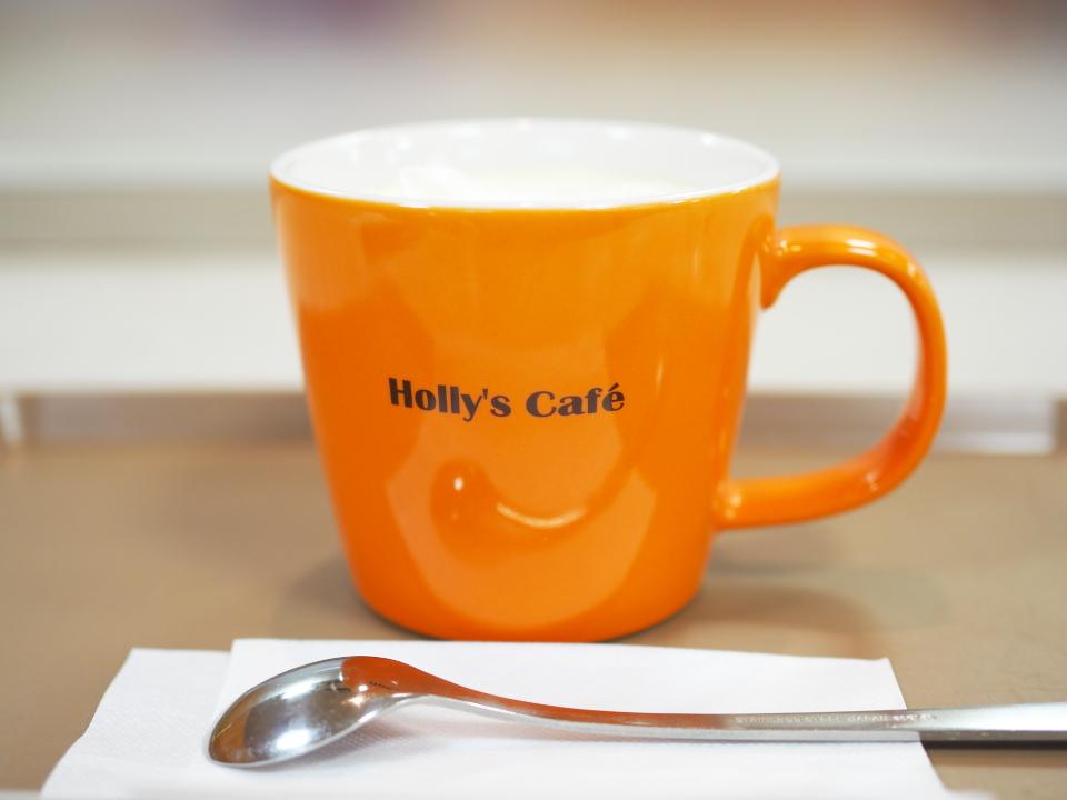 ホリーズカフェ・ライフ今里店の営業時間