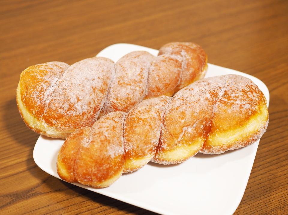 小麦の郷・ライフ今里店のふんわりミルクツイストドーナツ