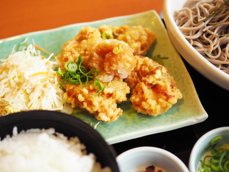 和食さとの若鶏の唐揚げおろしポン酢