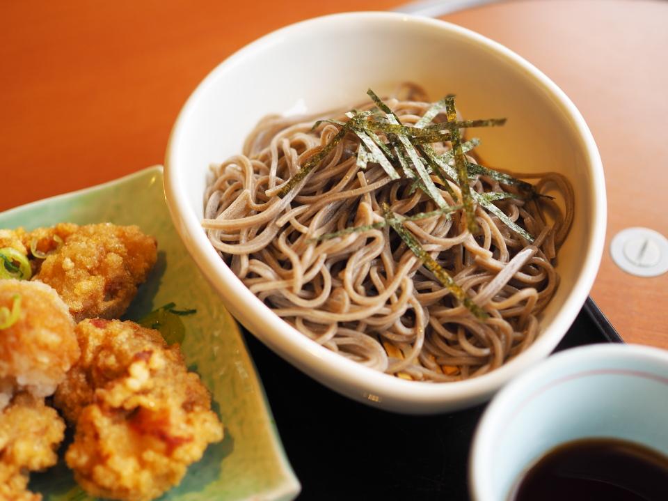 和食さとの日替り定食のミニ麺