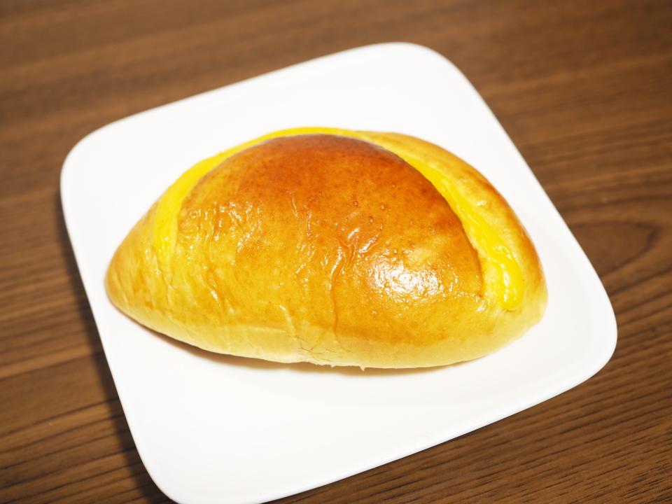 小麦の郷は北海道練乳あずきも人気