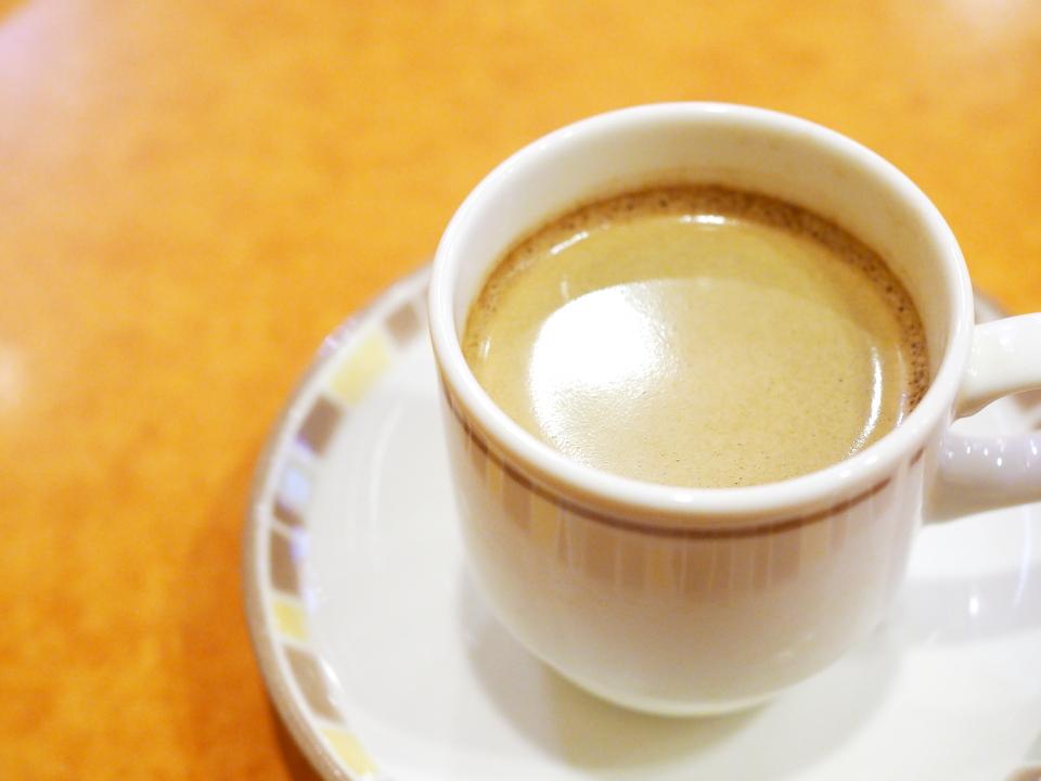 サイゼリヤのドリンクバー(カプチーノ)サイゼリヤ・イオンタウン小阪店のドリンクバーはフォームミルクは出ません