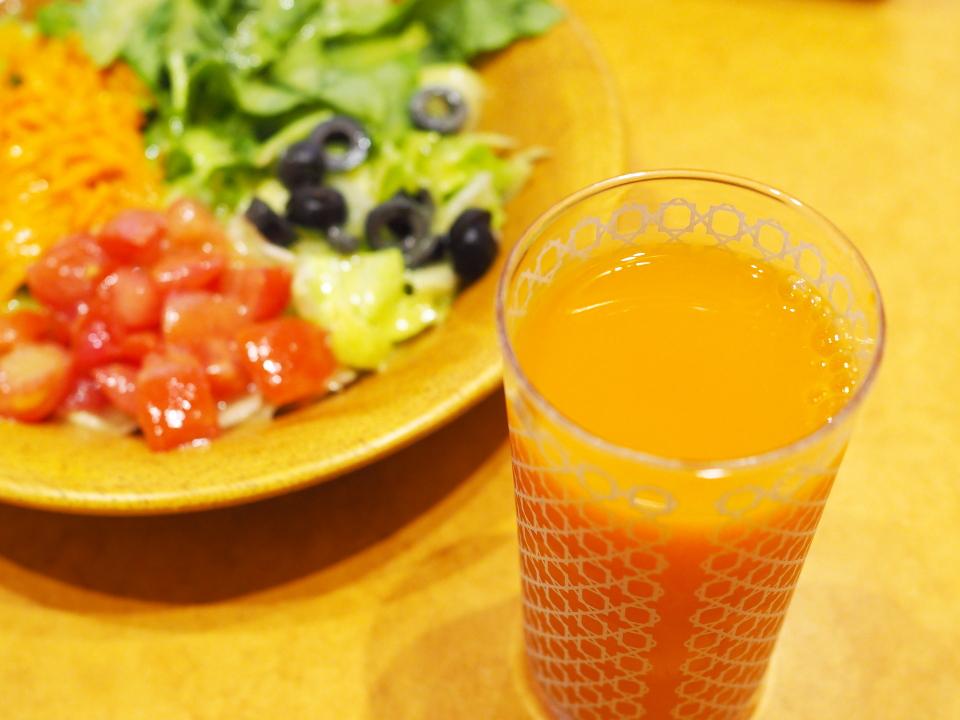 サイゼリヤの野菜ジュースはミニッツメイド・野菜と果実の健康レシピ