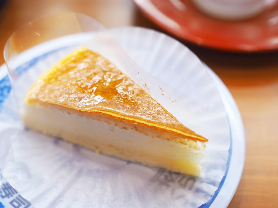 くら寿司はチーズケーキの他、マンゴーアイスケーキも