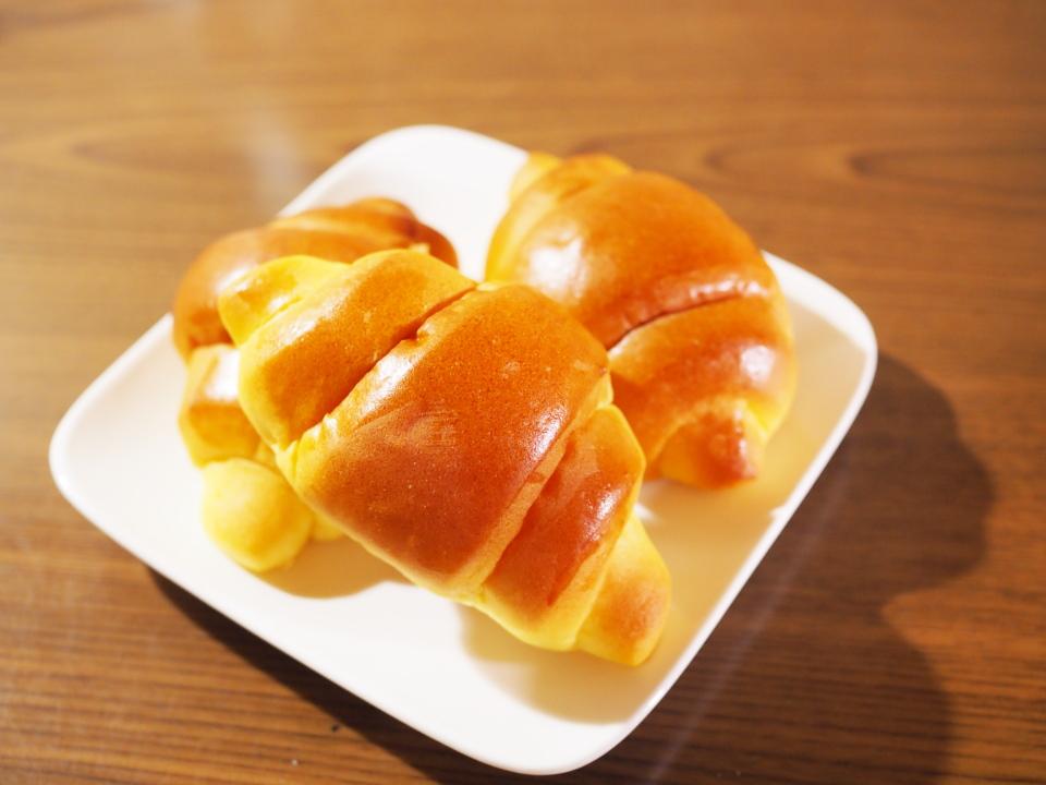 北海道産小麦「春よ恋」、九州産小麦「ミナミノカオリ」を使用したかぼちゃロール