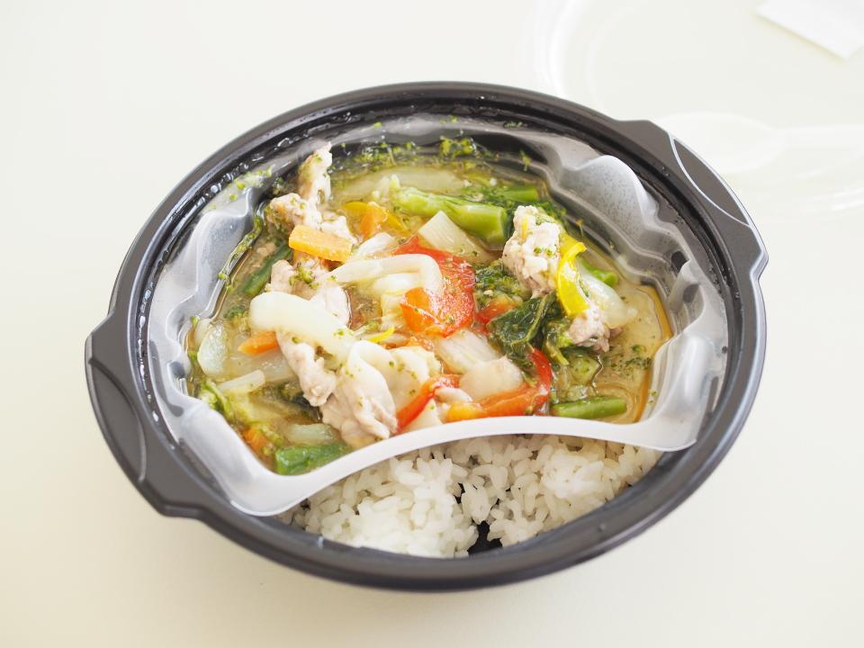 サトマルシェ・河内小阪店の野菜たっぷり八宝菜丼の値段