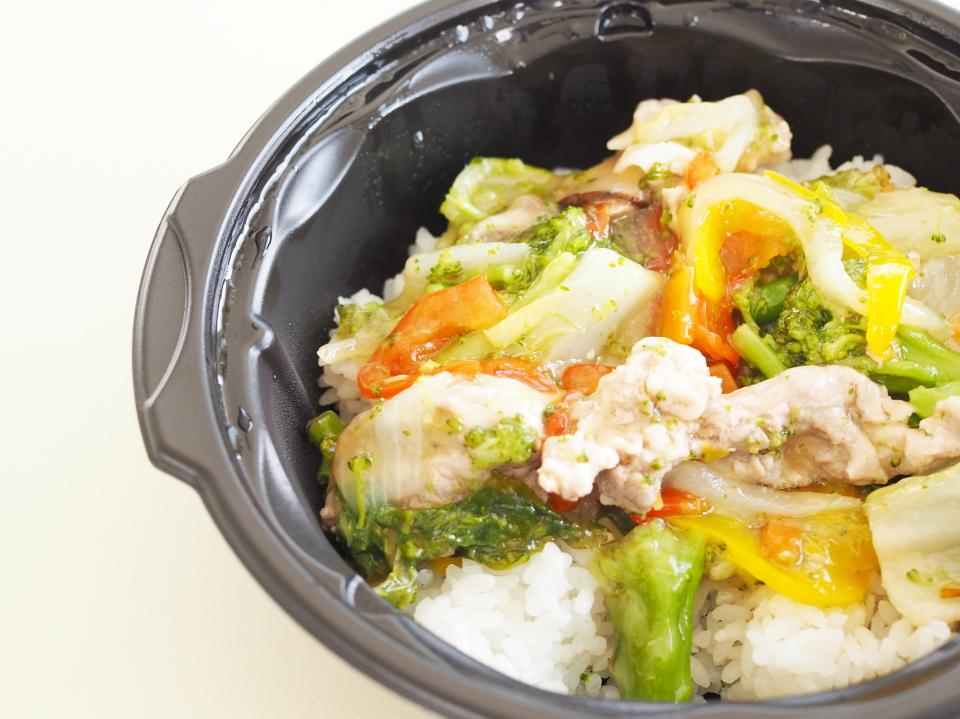 和食さとグループで、厨房さとにも似ているサトマルシェ